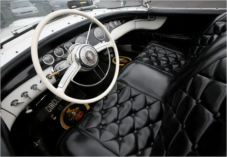 PackardPanther1954SteeringWheel.JPG