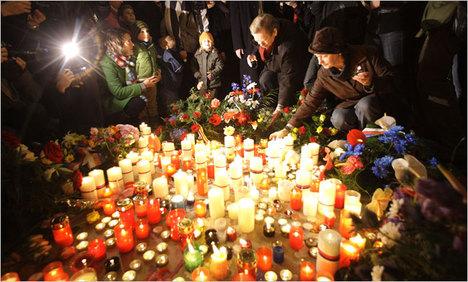 CzechVelvetRevolutionCandles2009-12-20.jpg