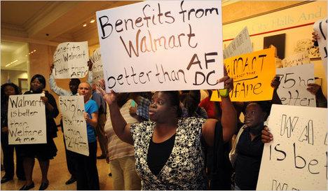 WalmartChicagoSupporters2010-06-29.jpg