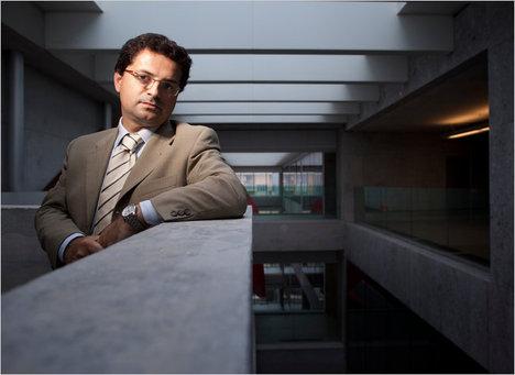 AltomonteCarloItalianEconomist2011-03-12.jpg