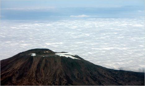 KilimanjaroSnow2011-03-09.jpg