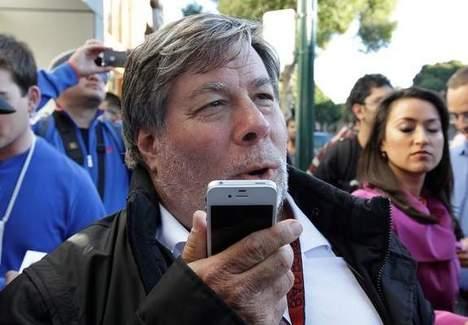 WozniakIphone4S2011-11-04.jpg