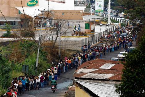 VenezuelaSupermarketLine2014-03-06.jpg